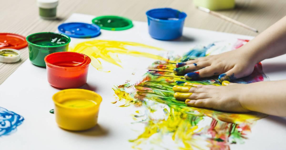 diy enfants comment fabriquer de la peinture pour les. Black Bedroom Furniture Sets. Home Design Ideas