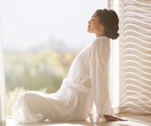 Yoga du matin : 6 minutes pour s'étirer dans son lit