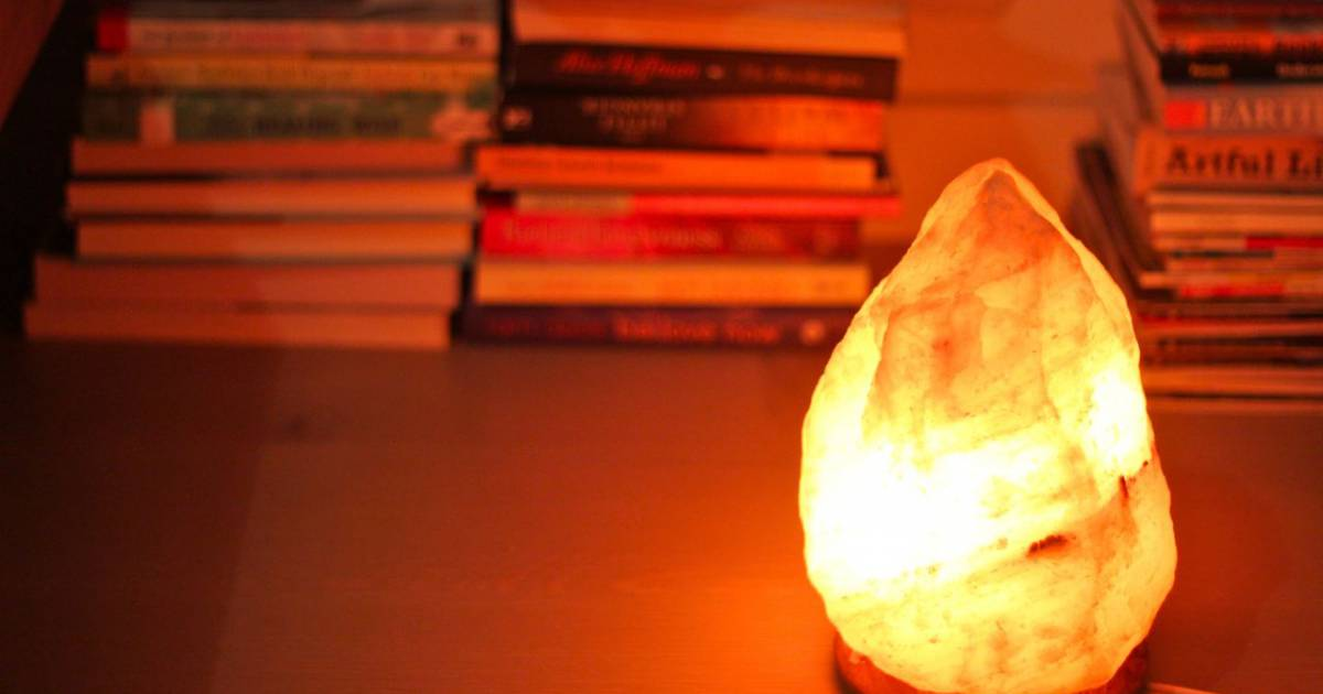 Pourquoi avoir une lampe en sel la maison pourrait for Changer une douille de lampe
