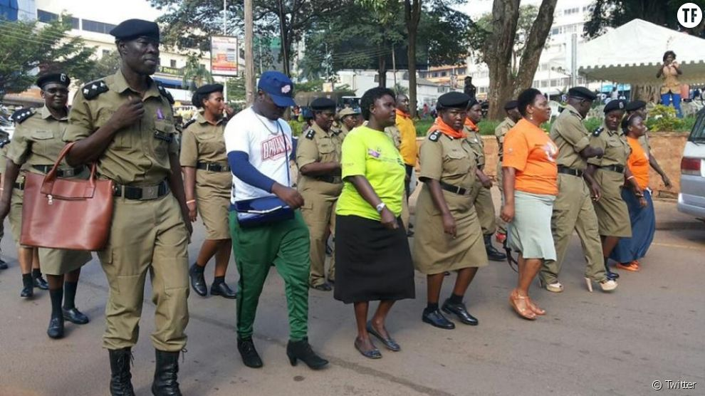 Ouganda : des hommes en talons hauts pour dénoncer les violences faites aux femmes