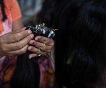 Au Venezuela, les femmes sont forcées de vendre leurs cheveux pour se nourrir