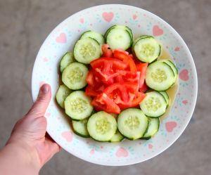 Pourquoi vous ne devriez pas manger des concombres avec des tomates