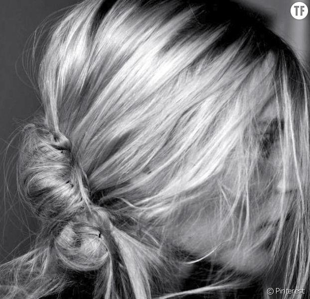 Le chignon banane, coiffure tendance du printemps 2017 selon Pinterest