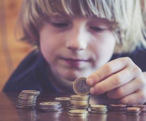 Faut-il donner de l'argent de poche aux enfants ?