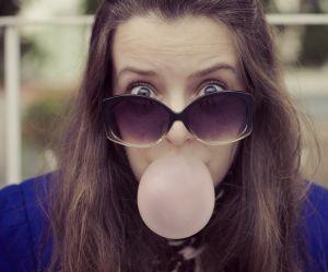Pourquoi vous devriez arrêter de mâcher du chewing-gum