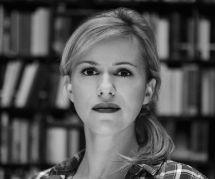 Camille Emmanuelle : plongée dans les coulisses peu reluisantes des romances érotiques