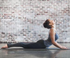 Ces postures de yoga vont vous aider à surmonter une rupture amoureuse