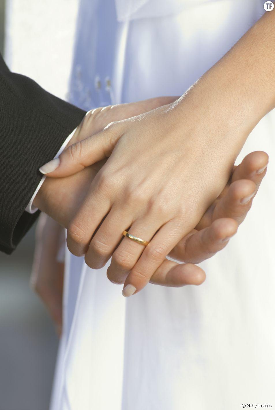 Les jeunes mariées moins attirées par les bagues de fiançailles classiques