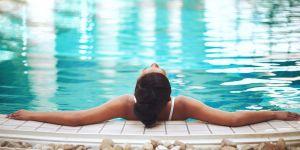 On a trouvé le job de vos rêves : testeuse de villas de luxe pour 10 000 euros par mois