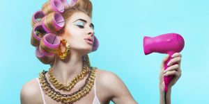 4 astuces pour sécher ses cheveux rapidement sans les abîmer