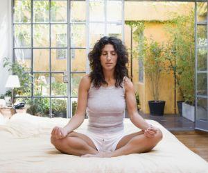 6 étirements à faire avant le coucher pour mieux dormir