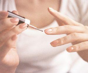 Voici le vernis à ongles le plus tendance du printemps (selon Pinterest)