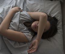 Apnée du sommeil : 9 symptômes qui doivent vous alerter