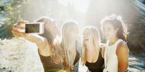 Voici l'angle le plus flatteur pour prendre un selfie (selon la science)
