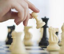Une fillette malaisienne forcée de quitter un tournoi d'échecs à cause de sa robe