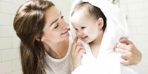 Les médecins alertent sur ce geste d'hygiène pratiqué par tous les parents