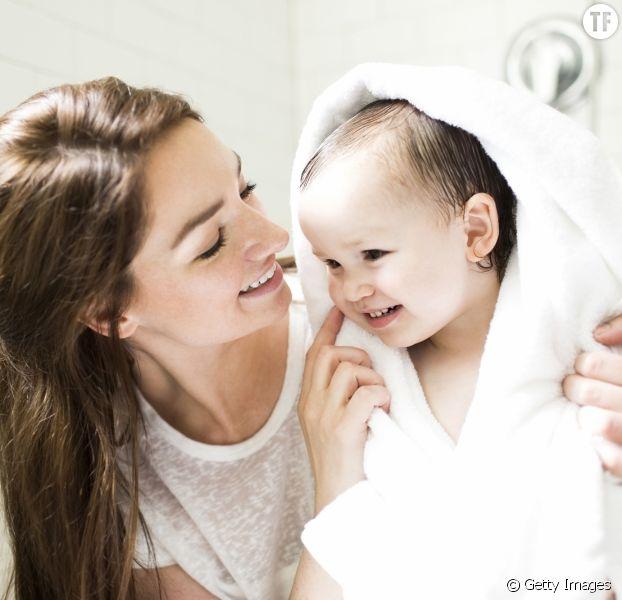 Un geste d'hygiène dangereux pour nos enfants