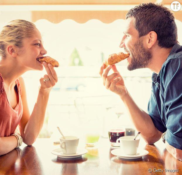 Les couples heureux ont souvent cette particularité.