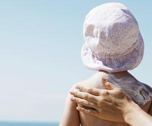 Crème solaire pour les enfants : le message d'alerte d'une maman