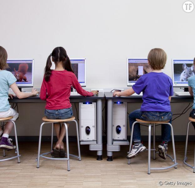 En Haute-Savoie, des élèves de CM2 apprennent à devenir des chasseurs pros des canulars du web
