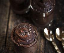 La savoureuse recette de mousse au chocolat-avocat (sans sucre ajouté)