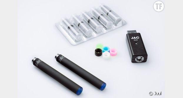 Échantillon d'une e-cigarette commercialisée par la marque américaine Juul
