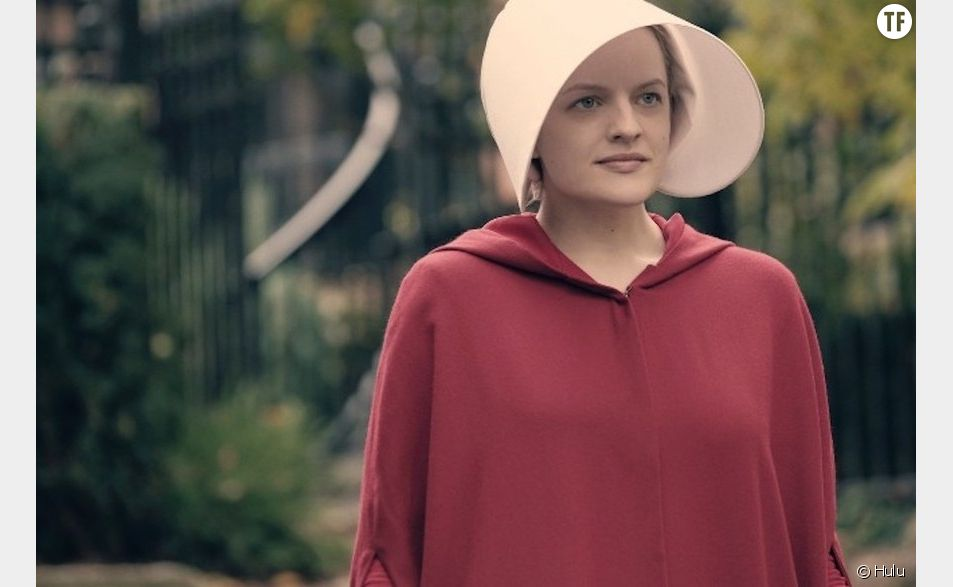 Offred (Elisabeth Moss) dans The Handmaid's tale