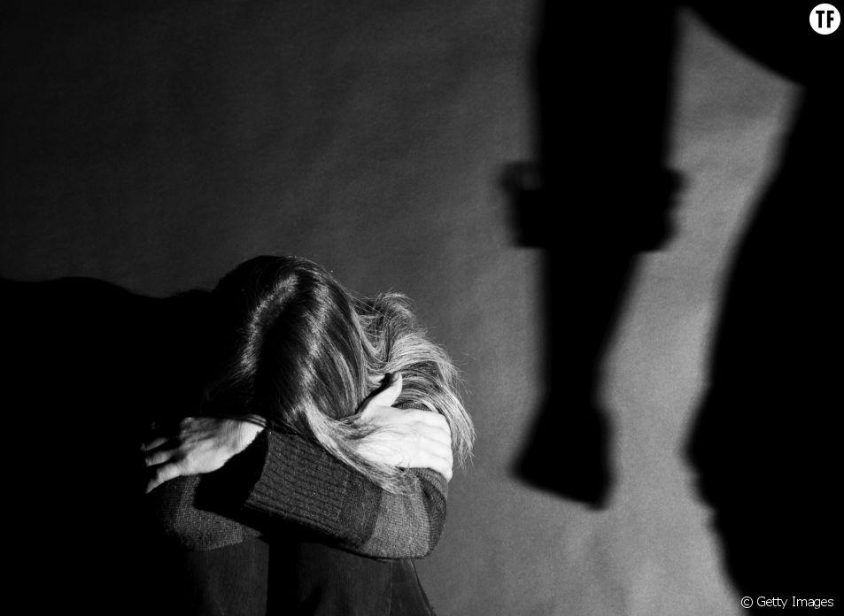 Violences conjugales : l'ex-compagne d'un footballeur témoigne
