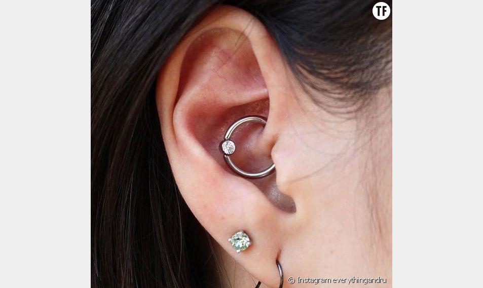 Le daith piercing pourrait soulager les migraines.