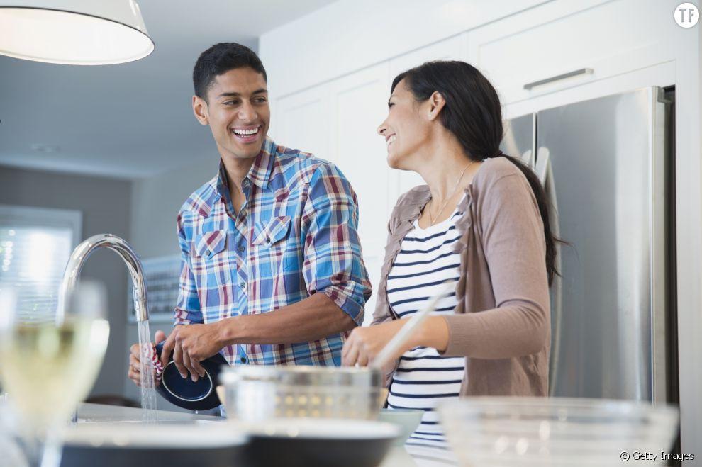 Le partage équitable de la corvée de vaisselle peut-il sauver notre couple ?