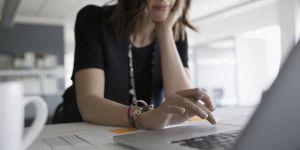 Que faire si mon boss me chope en train de glander sur internet ?