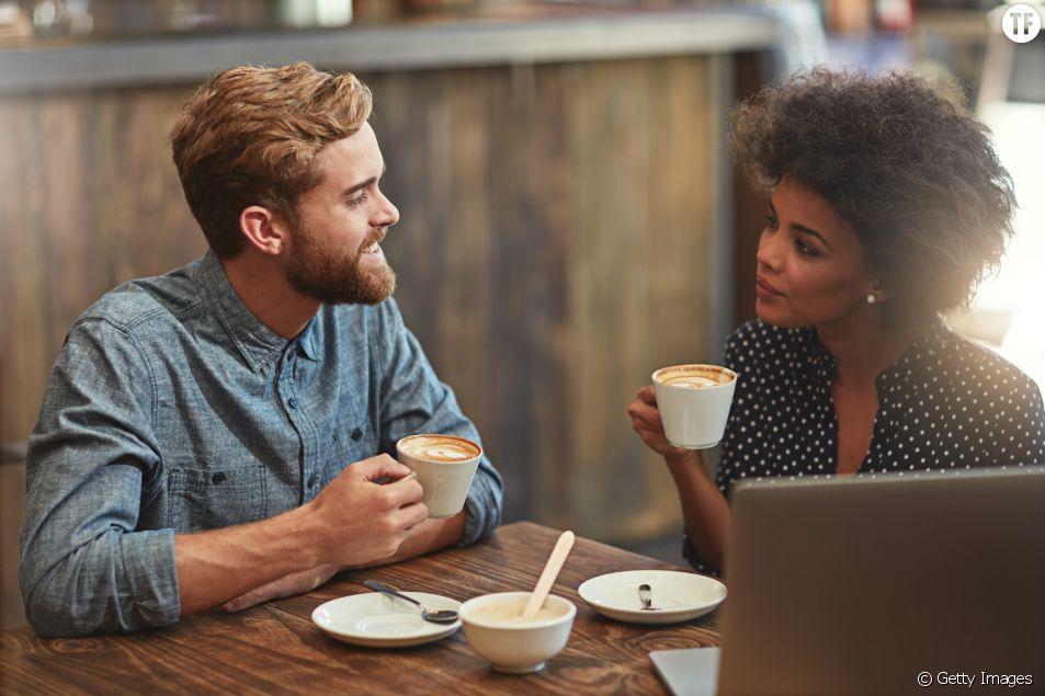 Les couples qui gagnent le même salaire seraient les plus heureux