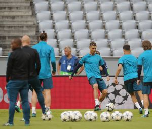 Cristiano Ronaldo et le Real Madrid à l'entraînement à Munich le 24 avril 2018