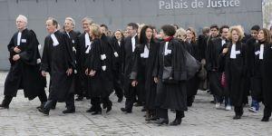 Discriminations, remarques sexistes : une avocate balance sur l'envers du métier