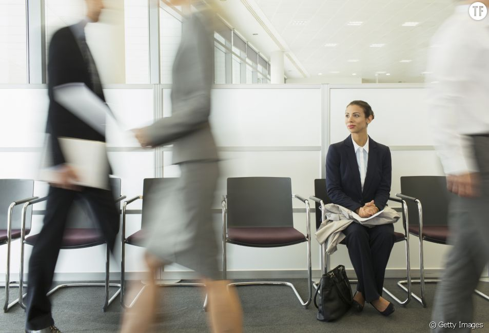 Discrimination à l'embauche : 29% des femmes retireraient leur alliance pour un entretien
