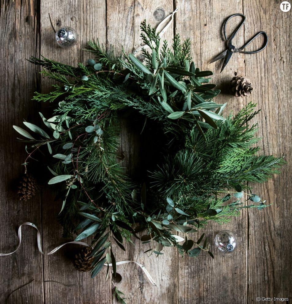 Comment réaliser une couronne de Noël en feuillage ?