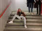 Elle se balade à Paris sans protection périodique pour dénoncer la précarité menstruelle