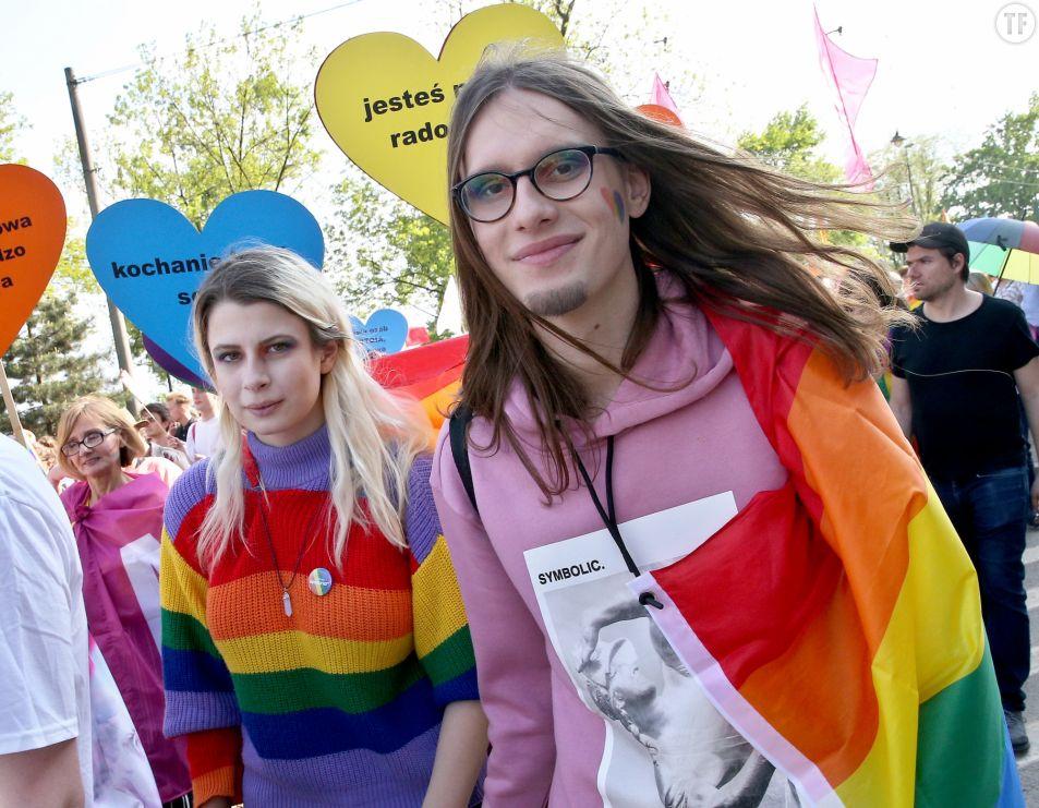 Des manifestant.e.s LBTQ durant la marche pour l'égalité en Pologne. Getty Images.