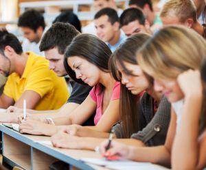 Le coût de la vie étudiante serait 118 % plus cher pour les femmes