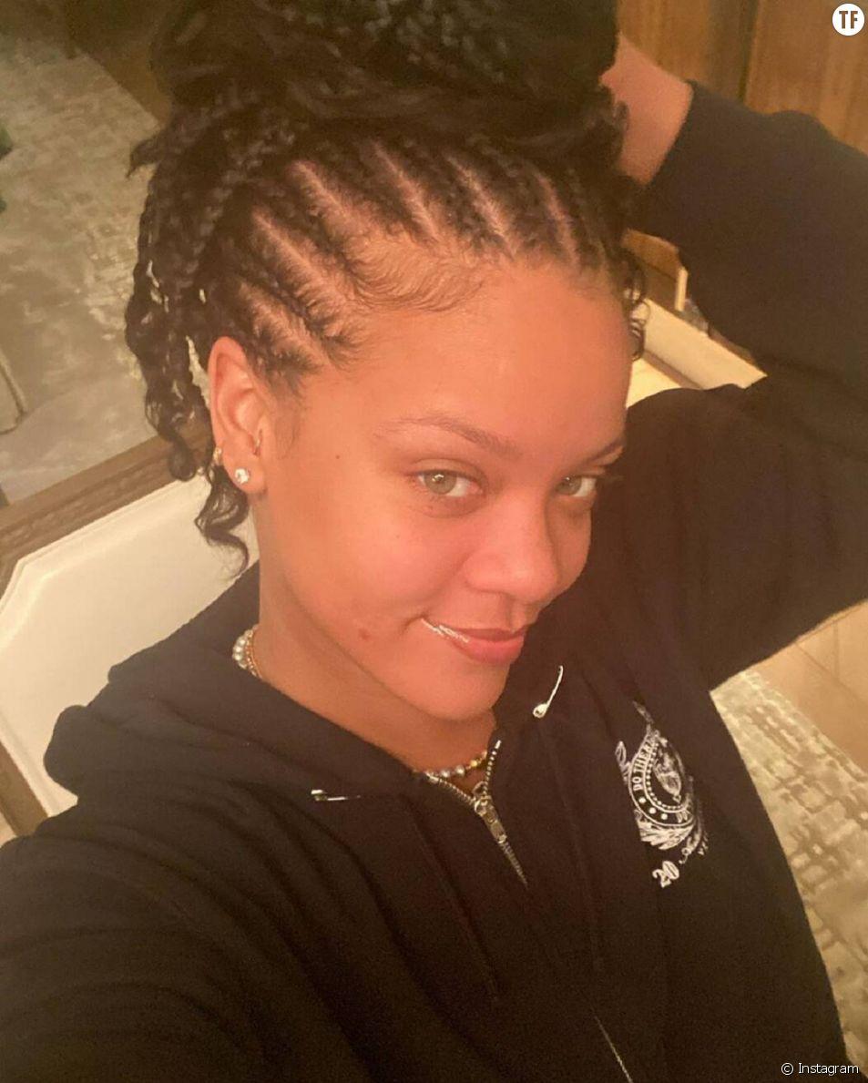 Le premier selfie estampillé 2020 de Rihanna.