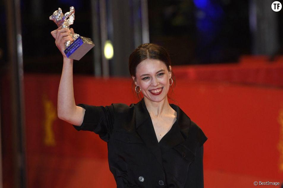 Paula Beer à la cérémonie de clôture de la 70ème édition du festival international du film de Berlin.