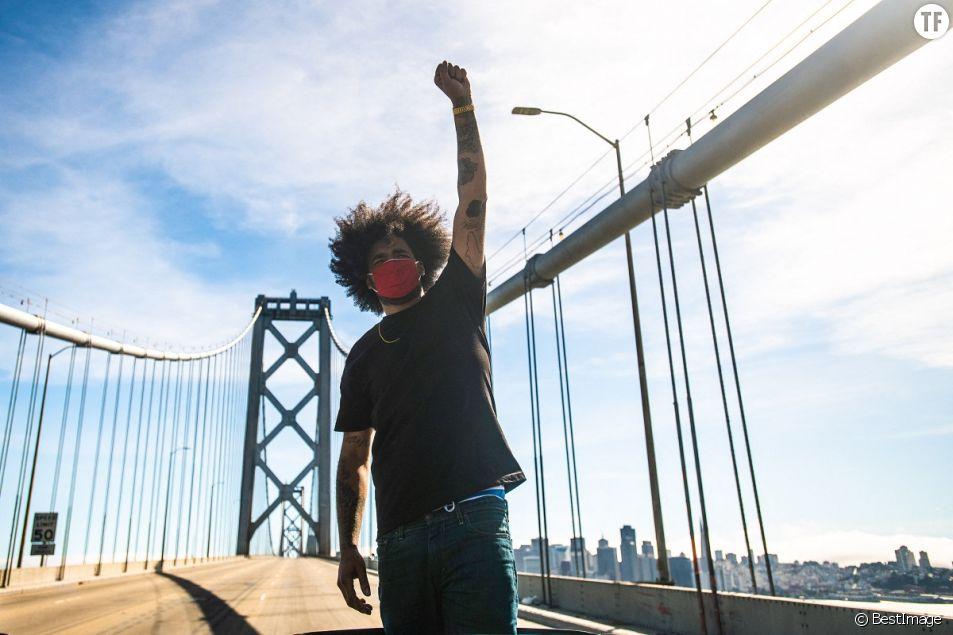 Manifestation sur le Bay Bridge à San Francisco lors du mouvement Black Lives Matter.