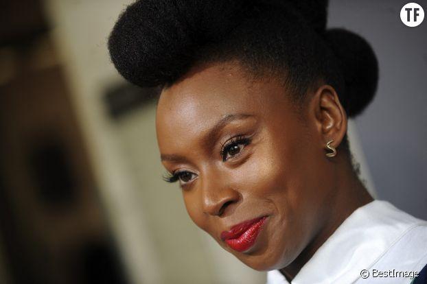 Chimamanda Ngozi Adichie, romancière militante et révolutionnaire.