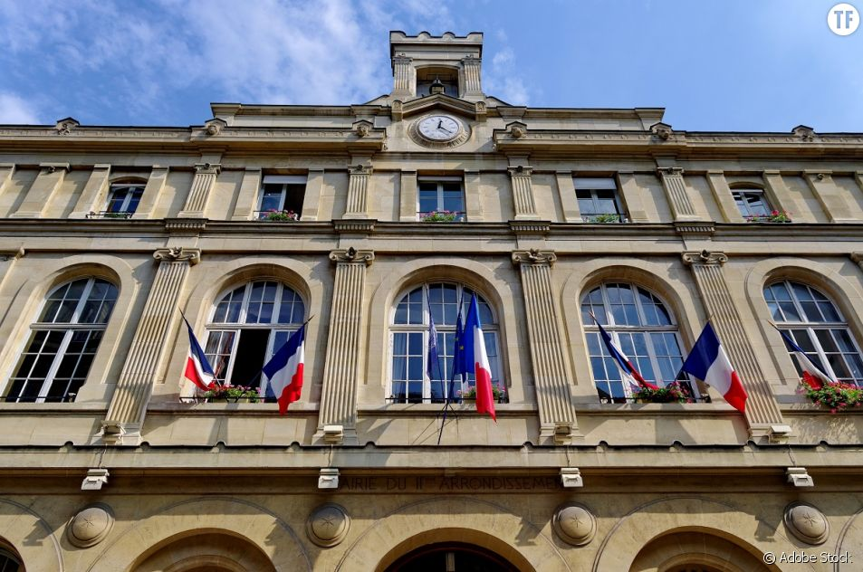 La Mairie de Paris doit rendre des comptes pour avoir nommé trop de femmes à des postes élevés.