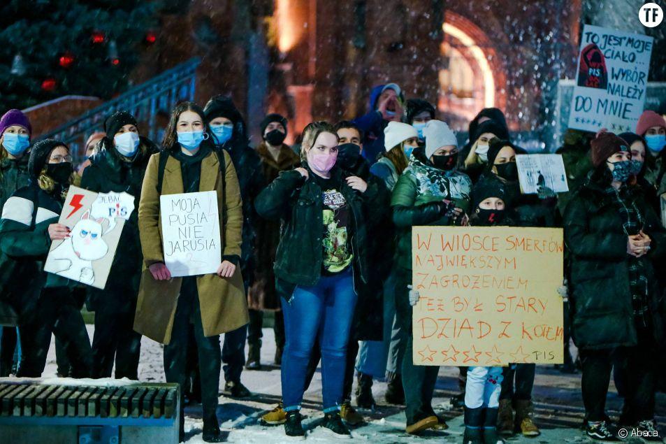 Une mobilisation contre l'interdiction de l'avortement à Rybnik, jeudi 28 janvier 2021.