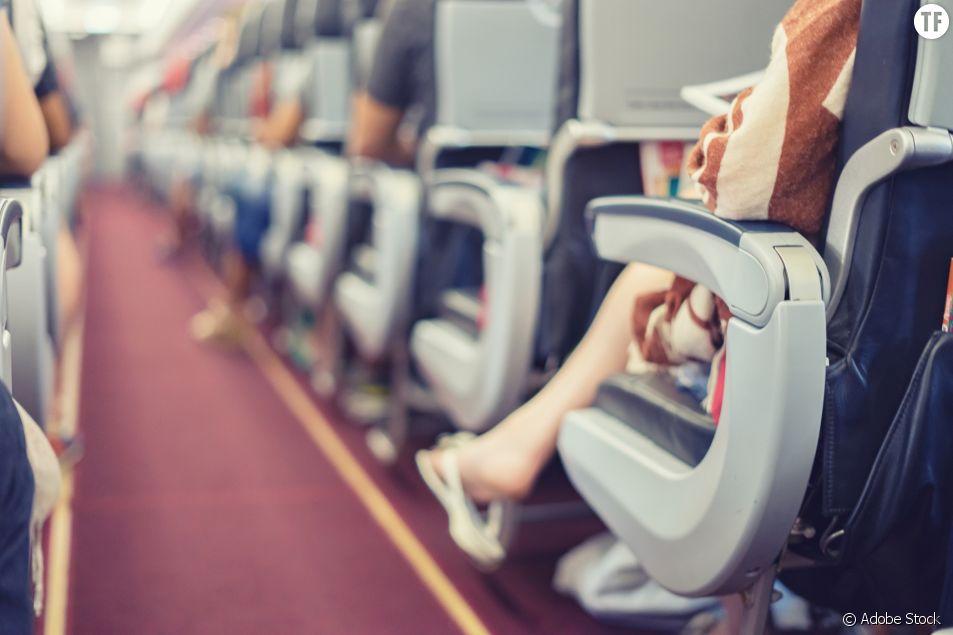 Agressée par un homme dans un avion, cette ado poste sa vidéo sur TikTok