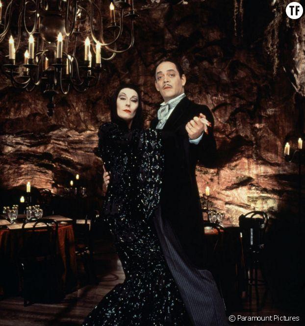 Morticia Addams, immortalisée à l'écran par la queen Angelica Huston.