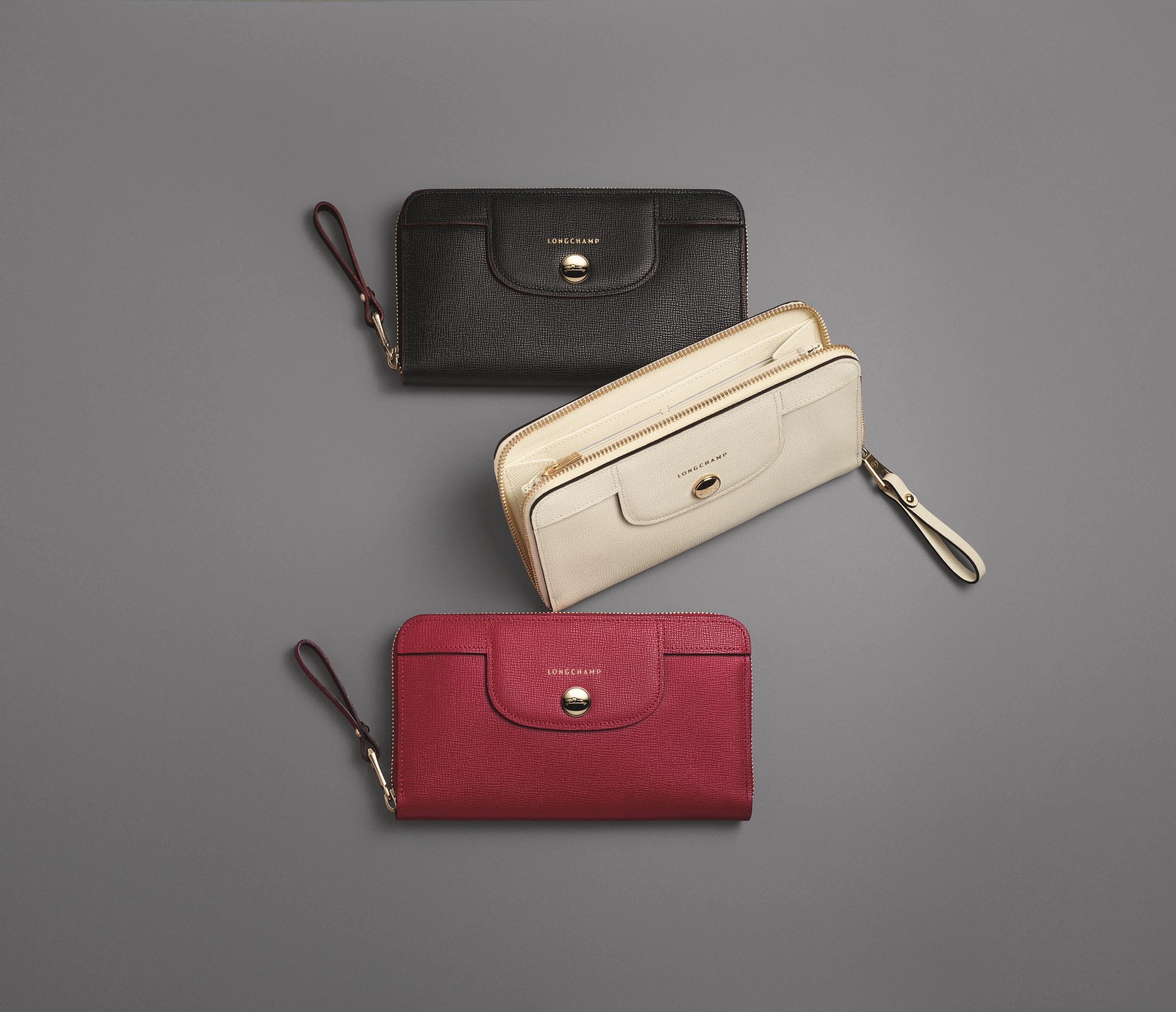 Sac Longchamp Pliage Vraie Ou Faux : No?l pe cadeaux tout en cuir par longchamp